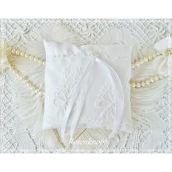 Ringkissen WITH A ROSE Weiß Spitze Stickerei Braut