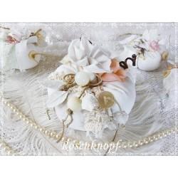 STOFFKÜRBIS im Shabby Stil in Weiß mit Perlen und Spitzen Gr.2 - Nr.4