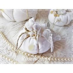 STOFFKÜRBIS im Shabby Stil aus Vintage Leinen in Weiß, verziert Perlen und Spitzen Gr.4 - Nr.1