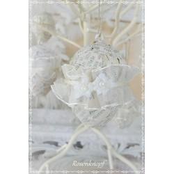 OSTERN Osterei Ei Osterstrauss Osterschmuck Ivory Vintage Buchseiten Shabby Spitzenblüte Perlen Organzaband Brocante Decopage E