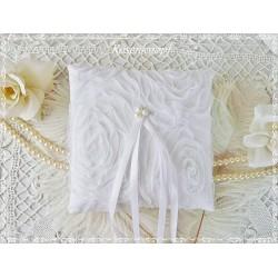 Ringkissen SCARLETT Weiß Tüll Braut Perlen Rosen