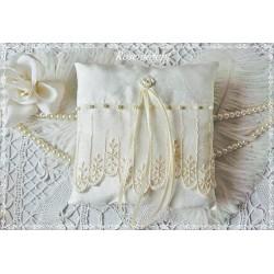 RINGKISSEN Ivory Wollweiß Ecru Creme Tüllspitze Satinrose Rosenblüte Stickerei Satinband Perlen Braut Hochzeit E