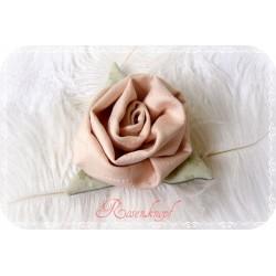 Ansteckblüte Rose Puder Brosche Brautschmuck