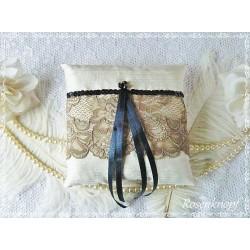 Ringkissen Ivory Braun Nachtblau Tüllspitze Hochzeit E K