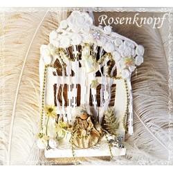 Weihnachtlich dekoriertes Holzfenster mit Engel in Weiß und Gold ♥ UNIKAT