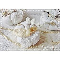 KÜRBIS Stoff Shabby Weiß Spitze Perlen Herbst