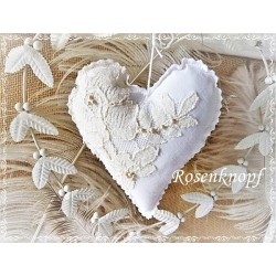 STOFFHERZ in Weiß und Ivory im romantischem Shabby Stil ♥ UNIKAT
