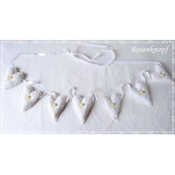 STOFFHERZ im romantischen Shabby Stil aus Spitze Tüll und Leinen in Weiß