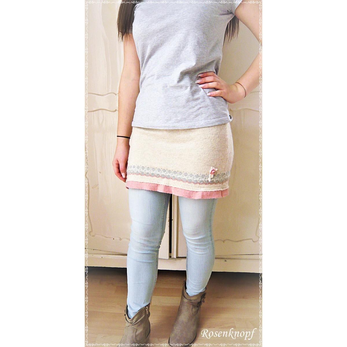 40b121f6b8f8c ... KLEID Strickkleid Frauenkleid Einzelstück UNIKAT Größe 34/36 Upcycling  Ivory Rosa Spitze Rose Walk Kunstleder ...